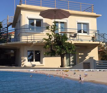 Photo for ••Charming apartment in detached cottage • sandy beach 25 m away • WiFi free••