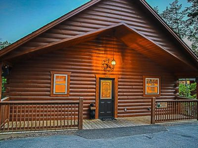 Photo for LUXURY CABIN IN THE WOODS! Theater, Hot Tub, Pool Table,1Mile to Pkwy, Free-Wifi
