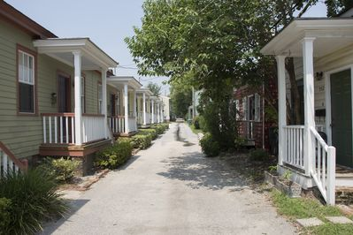 Your quiet street in Savannah's Historic District