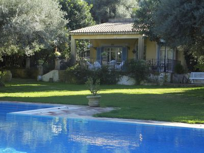 Photo for Elegant villa with pool, air conditioning, fireplace, WiFi, panoramic position, 8 pers.
