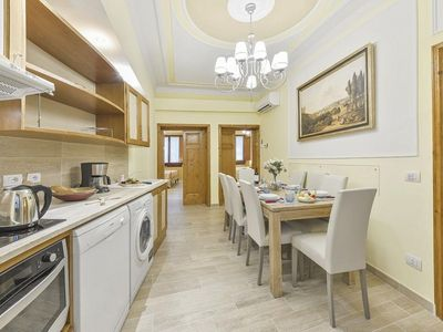 Photo for Minerbetti Suite apartment in Duomo with WiFi & integrated air conditioning.
