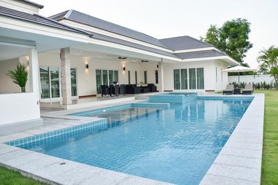 Pool Villa Huahin -Tulip House  with big pool and garden