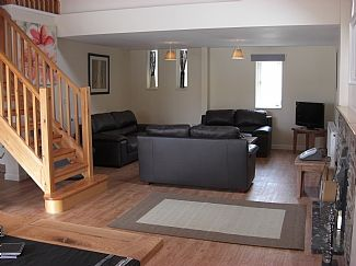 Open plan loung & dining area