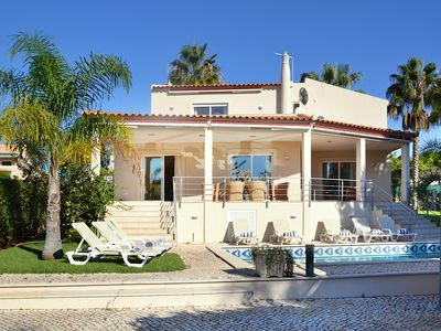 Photo for Luxury villa for 8 people, with private swimming pool and garden.