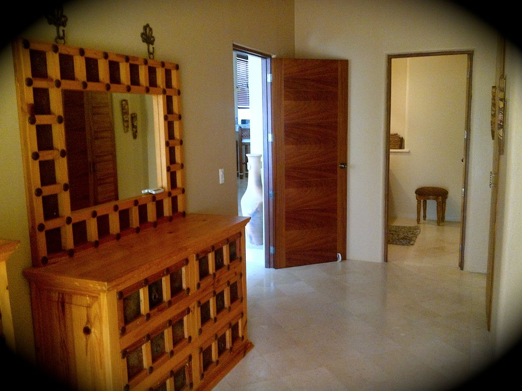 Great intown location private 2700 sq ft penthouse for 2700 square foot house cost