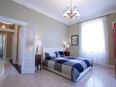 Photo for Beautiful,refurbished with impeccable taste,wide and luminous,in the heart of Trastevere, free wi-fi