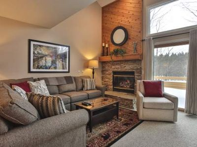 Close Walk to Outdoor Pool and Hot Tub. Trout Creek Condo #127 - 2 Bedroom Loft, 2 Baths.
