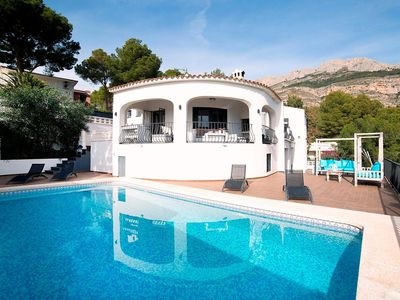 Photo for Wonderful private villa for 8 guests with A/C, private pool, WIFI, TV, balcony and parking