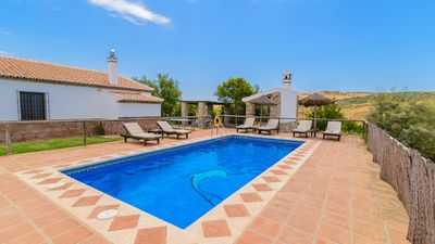 Photo for Beautiful villa with pool near Antequera