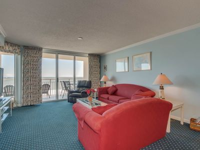 Photo for Beautiful DIRECT oceanfront condo, great amenities & location!