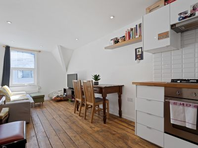Photo for Lovely 2-Bed Apartment near Camden Town