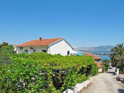 Photo for Apartment Klaric (TGR306) in Trogir - 5 persons, 1 bedrooms