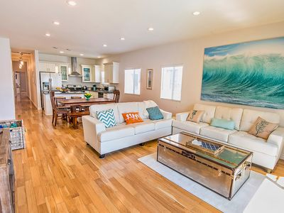 Photo for Luxury 3 bedroom Weho Beverly Grove Central to everything Los Angeles Sleeps 10!