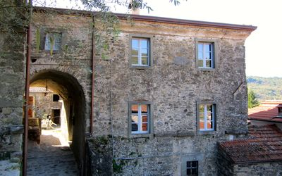Photo for La Casetta Del Poggiolo, a Medici-style Palazzina in a Tuscan Village