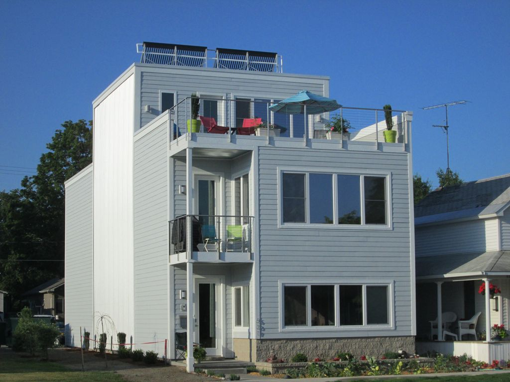 COOLEST HOUSE in Traverse City,  Downtown Across from the Beach.
