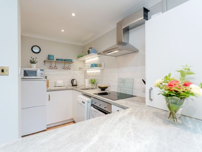 Photo for Contemporary apartment in central Winchester