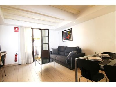 Photo for Cosy Ramblas 2 apartment in Barrio Gotico with WiFi & air conditioning.