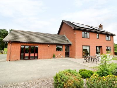 Photo for GREVODIG, pet friendly, with hot tub in Llanbister, Ref 29851