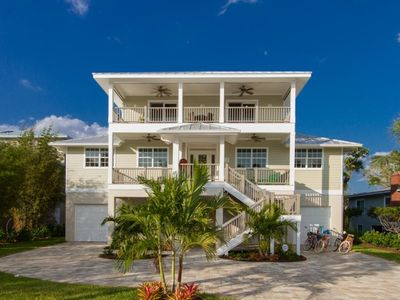 Fort Myers Beach | Off Water | Gulf view, bikes, pool table, soccer table, yard games, pool & jacuzz