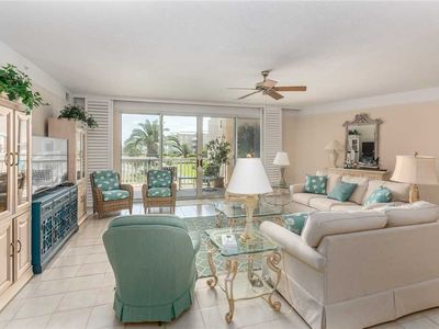 Photo for Oceanfront Complex, St Simons Grand. Pool, Hot tub, Private Beach Access