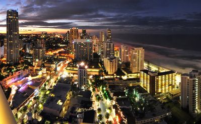 Photo for Affordable & spacious 2 bedroom Surfers Paradise hotel accommodation
