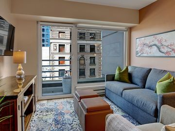 1 Bedroom Market View Oasis- BOOK YOUR NYE W/FAMILY CONDO OPEN JAN DATES!!
