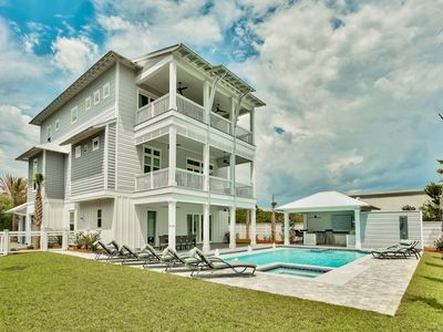 Photo for Private Heated Pool! Gulf Views! Pool Cabana! Swim-Up Bar! 3 Living Rooms!