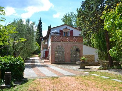 Photo for 5 bedroom Villa, sleeps 10 in Collelungo with Pool and WiFi
