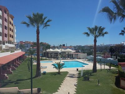 Photo for Apartment T0 in the center of Albufeira with pool, lounge-bar, tennis and WiFi