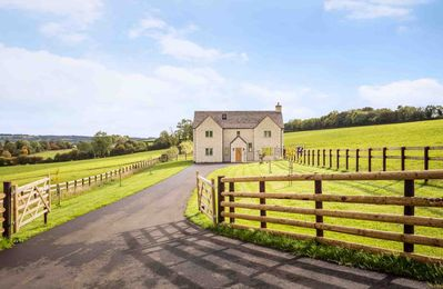Photo for Park Farm is a large contemporary farmhouse, with specatacular views of the surrounding countryside