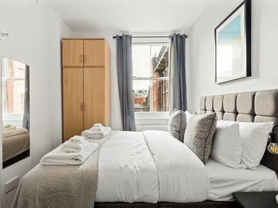 Photo for 2 Bedroom flat near Regent's Park, 2mins to tube