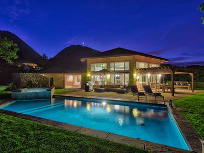 Photo for Luxury Home, Sweeping Ocean & Island Views, Very Private in Exclusive Launiupoko