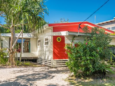 Photo for A SWEET ESCAPE - Beachcombers Cottage Beachfront