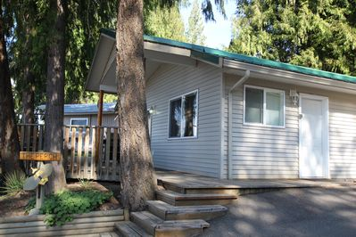 The Perch Is A Cozy Cabin At Blind Bay Hideaway On The Beautiful Sunny Shuswap Blind Bay