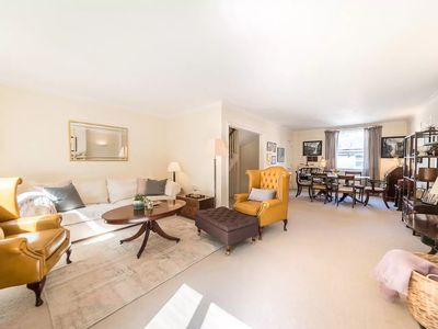 Photo for Elegant Whole House 3 bed 4 bath in Kensington
