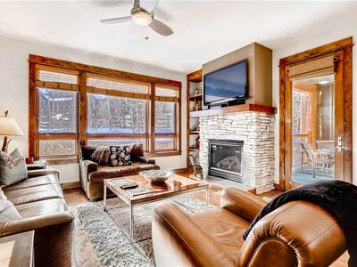 Photo for Luxury 3-Bedroom Condo with Outdoor Pool/Hot Tub, Hiking Trails Close By