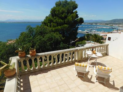 Photo for Holiday house with sea views in Roses, Costa Brava