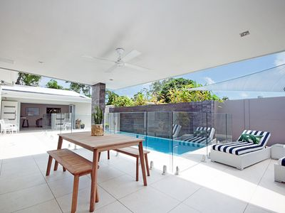 Photo for Private Beach House, walking distance to shops & cafes, close to Noosa River