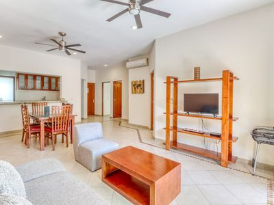 Photo for Second floor condo with balcony, rooftop patio and shared pool