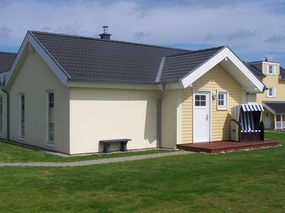 Photo for Contemporary High quality semi-detached bungalow 200 m to the beach