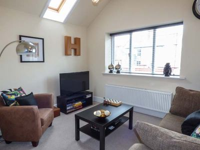 Photo for THE HIDEAWAY APARTMENT 2, pet friendly in Llandudno, Ref 917645
