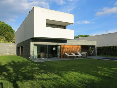 Photo for Beautiful modern house very equipped with pool 30 minutes from Barcelona ........
