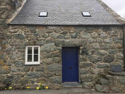 Photo for Hen Stabl - A charming 18th century stone character stables conversion