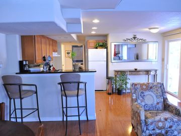 walkout basement incl 1 car garage,Close to DIA,easy Access to HWY I70,I225,&I25