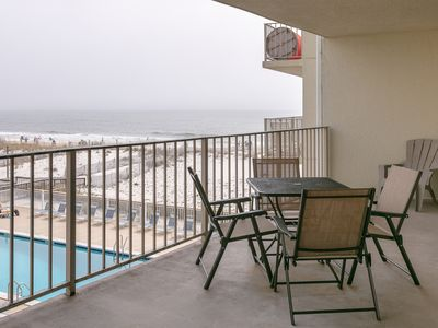 Beachfront condo w/ balcony overlooking Gulf of Mexico & resort pool!