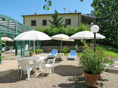 Photo for Beautiful apartment in villa for 4 guests with A/C, WIFI, pool, TV and parking