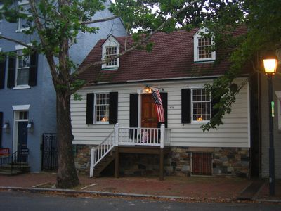 Photo for George Washington Town House in Old Town Alexandria - Walk to Everything!