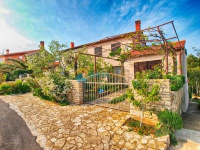 Photo for Apartment 1210/11135 (Istria - Banjole), Budget accommodation, 500m from the beach