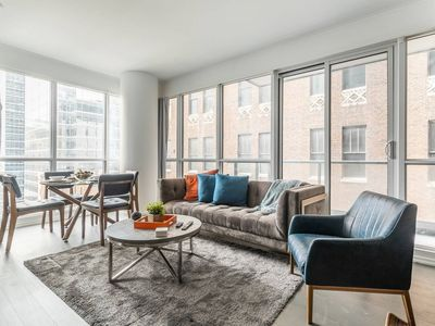 Photo for Stunning Executive 2BR Suite in Financial District