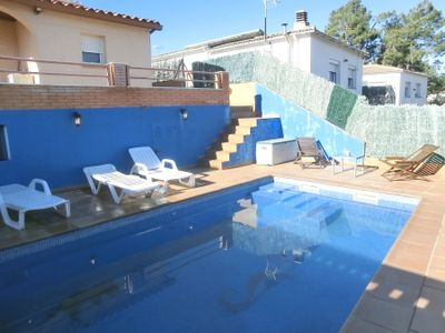 Photo for 2 bedroom Villa, sleeps 6 in Lloret de Mar with Pool, Air Con and WiFi